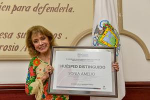 "Sonia Amelio, ""Huésped Distinguida"" de Xalapa"